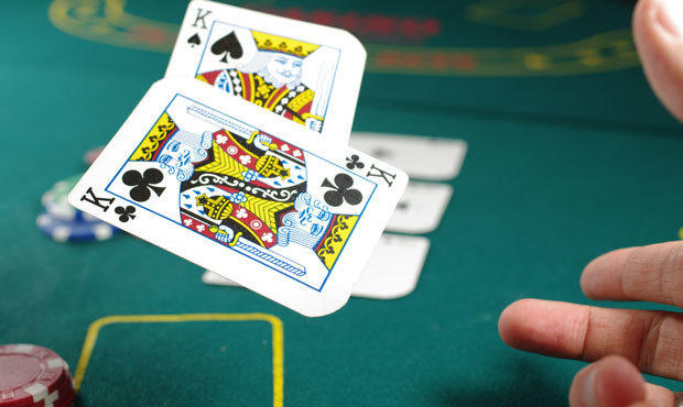 Easy Ways Play Poker Online Gambling For Relax And Fun