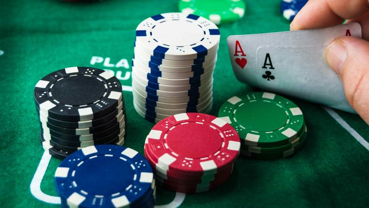 Online Poker Apk Features That Make It Easy for You to Play